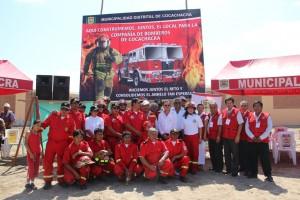Autoridades, bomberos y  comit+® pro compa+¦+¡a