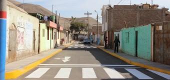MUNICIPALIDAD DE COCACHACRA ENTREGA ESTE SÁBADO: ASFALTADO DE CALLES, CONSTRUCCIÓN DE VEREDAS Y BERMAS EN PAMPA BLANCA